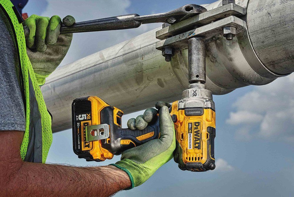 1 2 Cordless Impact >> Dewalt Dcf894hp2 Xr 1 2 Hog Ring Anvil 20v 5 0ah Li Ion Cordless Impact Wrench Kit