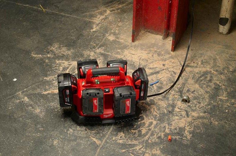 Milwaukee® 48-59-1806 - M18™ 18V Li-Ion Wall Battery Charger